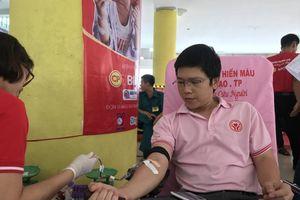 Gần 3.000 người tham gia hiến máu tại Ngày hội 'Giọt hồng thành phố mang tên Bác'