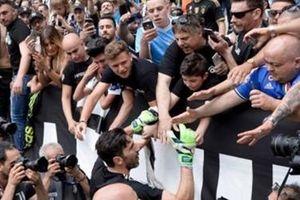 Buffon trở lại Turin: Một sự khởi đầu mới!