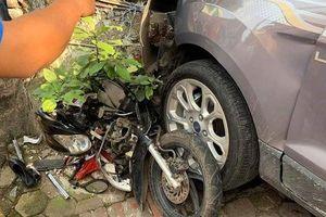 Hai mẹ con ở Thái Nguyên thoát chết thần kỳ sau khi bị 'xe điên' tông trúng