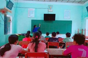 Quảng Ngãi: Lớp học hè miễn phí lại có 'thưởng' thu hút học sinh