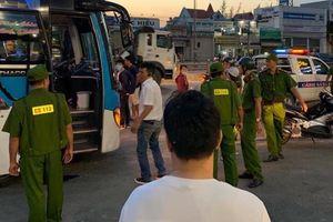 Truy bắt hai đối tượng hung hãn chặn xe khách, cướp ví tiền của lái xe