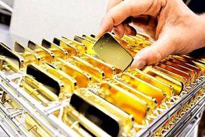 Chịu áp lực lớn, giá vàng tuần qua tăng giảm thất thường