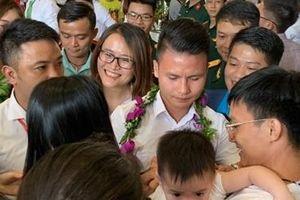 Vinh danh 19 tập thể, cá nhân trong Vinh quang Việt Nam