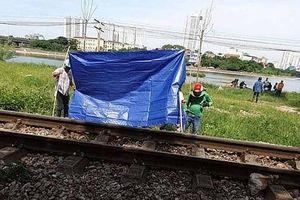Đi bộ trên đường ray, một người bị tàu hỏa đâm thiệt mạng