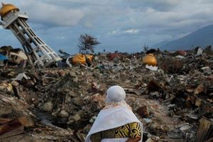 Cảnh báo sóng thần sau động đất ở Indonesia