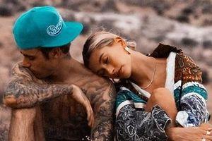 Justin Bieber, Hailey Baldwin ngọt ngào kỷ niệm một năm đính hôn