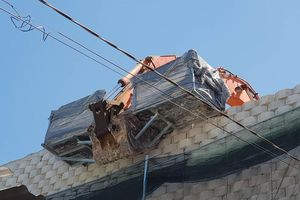 Nha Trang tháo dỡ 'tường thành' đe dọa cuộc sống người dân