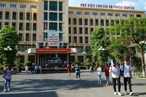 Lối sống của người Việt Nam hiện đại vào để thi năng khiếu Báo chí 2019