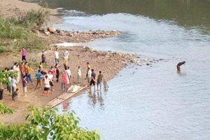 Đã tìm thấy thi thể bé gái 7 tuổi ở Nghệ An đuối nước khi đi tắm sông