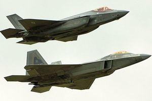Cảm giác tuyệt vời khi bay tạo đội hình cùng tiêm kích F-22