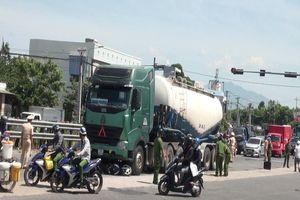 Nữ sinh viên chết thảm dưới gầm xe bồn ở Đà Nẵng
