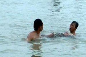Rủ nhau ra sông Thái Bình tắm, một cán bộ phòng cháy chữa cháy chết đuối