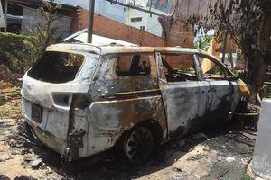 Đồng Nai: Quán cà phê và ô tô cháy rụi nghi bị ném bom xăng