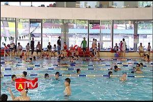 Cẩn trọng với rủi ro khi cho trẻ em đi bơi