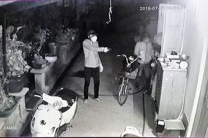Nhóm người dùng súng vào nhà dân ở Củ Chi để cướp