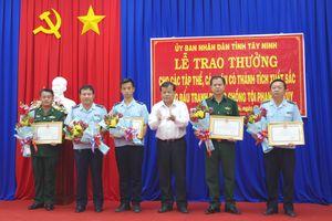 Khen thưởng các đơn vị tham gia bắt đối tượng vận chuyển 7kg ma túy đá