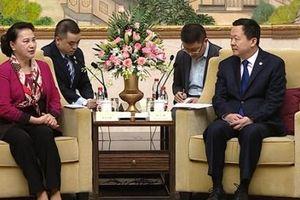Chủ tịch Quốc hội tiếp Bí thư Thành ủy thành phố Tô Châu, Trung Quốc