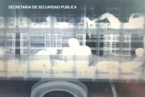 Mexico dùng máy X quang khổng lồ để truy quét xe tải chở người nhập cư lậu