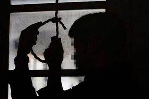 Thiếu niên 14 tuổi tự tử sau khi không được chủ quán bán 'rượu nợ'