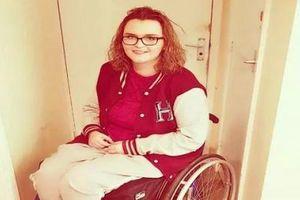 Cô gái 23 tuổi bị liệt vĩnh viễn sau khi thức khuya xem ti vi