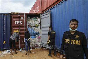 Indonesia gửi trả Australia hơn 200 tấn rác