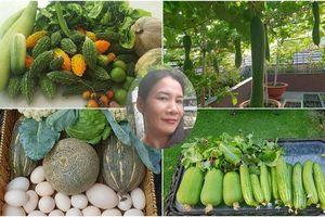 Sở hữu sân thượng rộng đến 200m², mẹ đảm ở Sài Gòn khiến nhiều người bất ngờ với 'trang trại' rau quả tự trồng