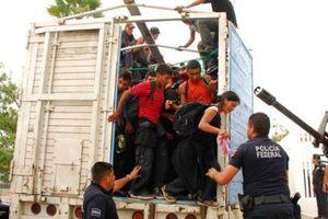 Mexico sử dụng máy quay hồng ngoại truy quét xe tải chở người nhập cư