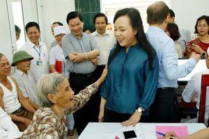 Bộ trưởng Bộ Y tế đến thăm và làm việc tại tỉnh Ninh Bình