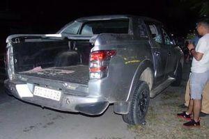 Chặn ôtô bán tải chở 8 bánh heroin và thuốc nổ