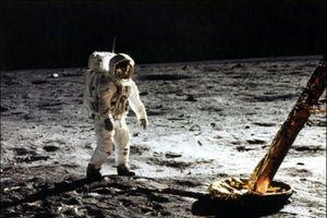 Trải nghiệm hiếm có của những người từng đặt chân lên Mặt trăng