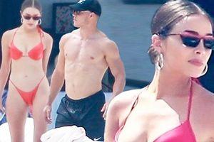 Hoa hậu Olivia Culpo khoe body 'cực phẩm' với bikini bé xíu bên trai lạ