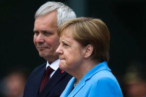 Thủ tướng Đức lại run lẩy bẩy