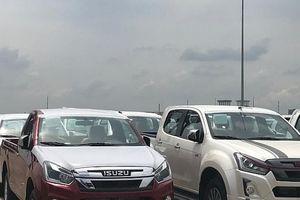 Hơn 6.400 xe ô tô nhập khẩu về TPHCM
