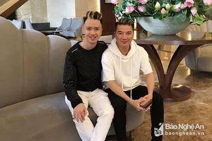 Chàng trai Nghệ An hóa thân thành 'ông hoàng nhạc Việt'