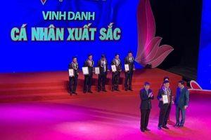 Doanh nhân Johnathan Hạnh Nguyễn nhận Giải thưởng 'Vinh quang Việt Nam'