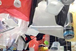 Triển lãm 'Xả rác ít thôi!': Lời nhắc về sự khẩn thiết của vấn nạn môi trường