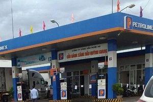 Đang bơm xăng cho khách, nữ nhân viên cửa hàng xăng dầu Petrolimex bị kẻ lạ mặt đâm chết