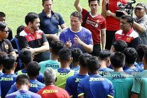 Khi Owen đến Đông Nam Á truyền bá bóng đá đường phố