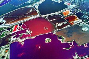 Cánh đồng muối sắc màu được mệnh danh 'biển chết' của Trung Quốc