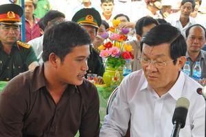 Cứu 32 ngư dân Trung Quốc trôi dạt ở Trường Sa