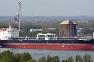 5 xuồng Iran vây bắt tàu dầu, chiến hạm Anh giương pháo