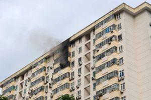 Cháy tại tầng cao chung cư hỏng hệ thống PCCC, người dân hoảng sợ thoát thân
