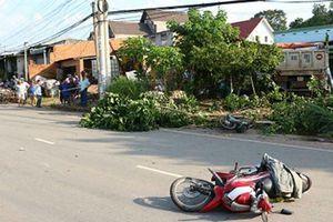 Xe 'điên' tông hàng loạt xe máy, 1 người tử vong