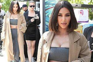 Kim Kardashian mặc crop top bó sát khoe ngực đầy siêu gợi cảm