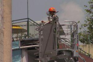 Dùng kìm cắt lưới B40 cứu hàng chục người kẹt trong vụ cháy ký túc xá Sài Gòn