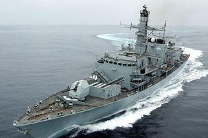 Anh tố 3 tàu Iran cố chặn tàu của họ trên vùng Vịnh
