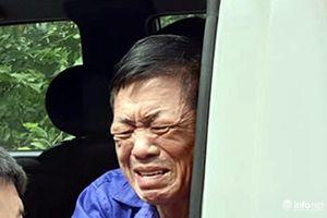 Xử vụ bảo kê chợ Long Biên: Hưng 'kính' bật khóc trên xe thùng về trại tạm giam