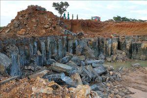 Công trường khai thác đá trái phép 5ha ở Bình Phước