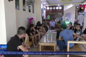 Người Trung Quốc thuê khách sạn tại Đà Nẵng để đánh bạc