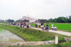 Nhọc nhằn xử lý rác tại Hà Nội